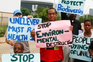 People against mercury contamination